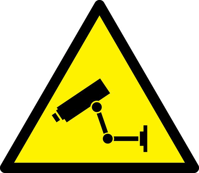 Megfigyelő kamera figyelmeztető tábla